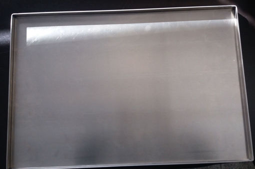 Picture of Plain aluminium tray with flap  90º - 600x400mm